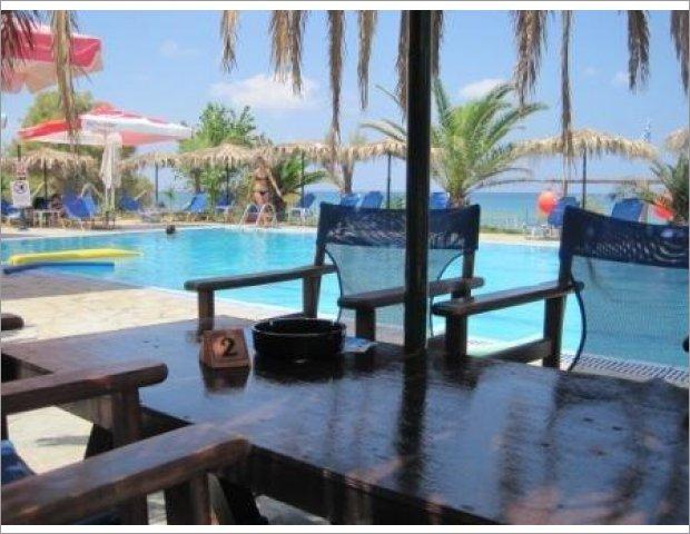 Pool-Caretta Beach Bar offers free umbrellas and sunbeds